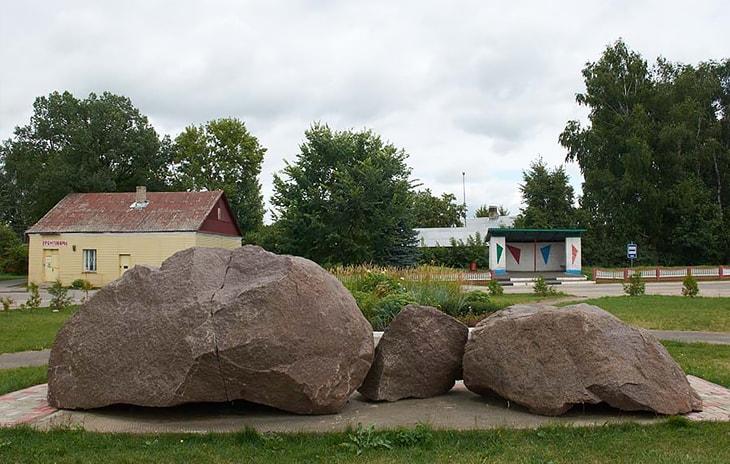 Борисов камень в п. Друя