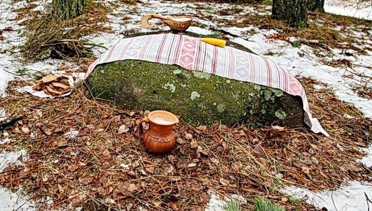 Велесов камень в д. Крыжовка