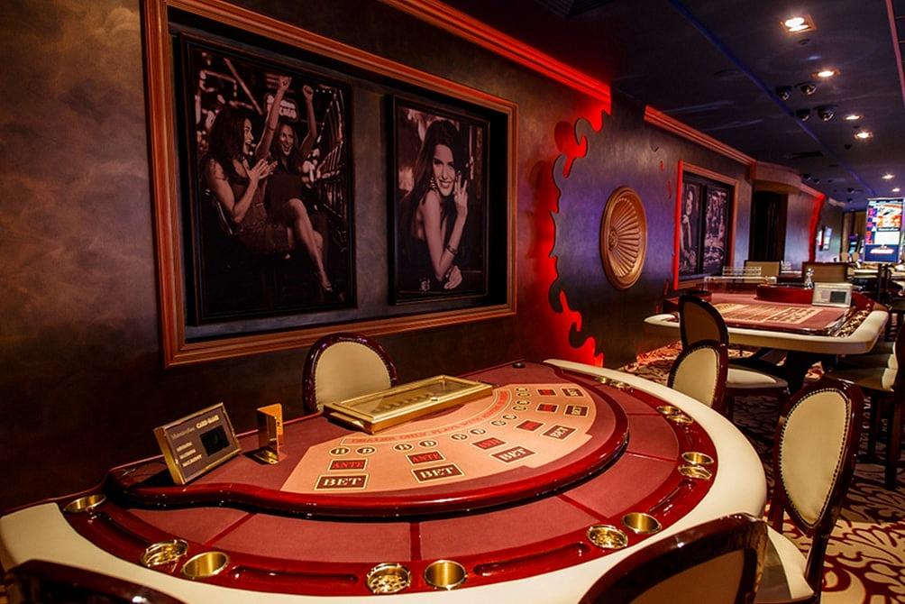 Casino Royal: «Не было дам в вечерних платьях»