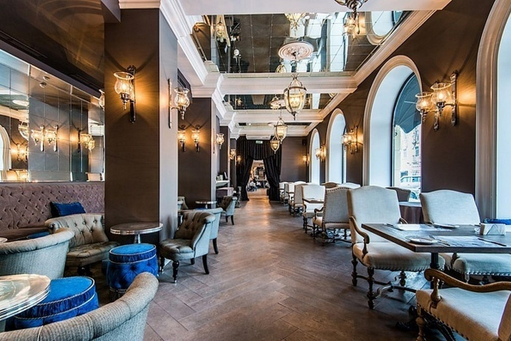 Интерьер ресторана Cafe de Paris (Минск)
